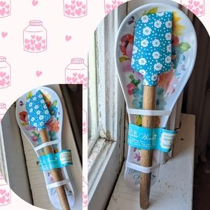 Spoon rest and Spatula